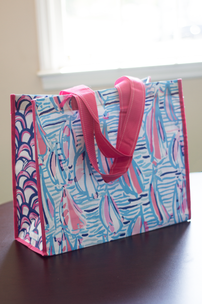 Lilly loves green, and you can too with this stylish and oh-so-cute environmentally friendly, recyclable Lilly Pulitzer market bag. $10 Myfioreboutique.com