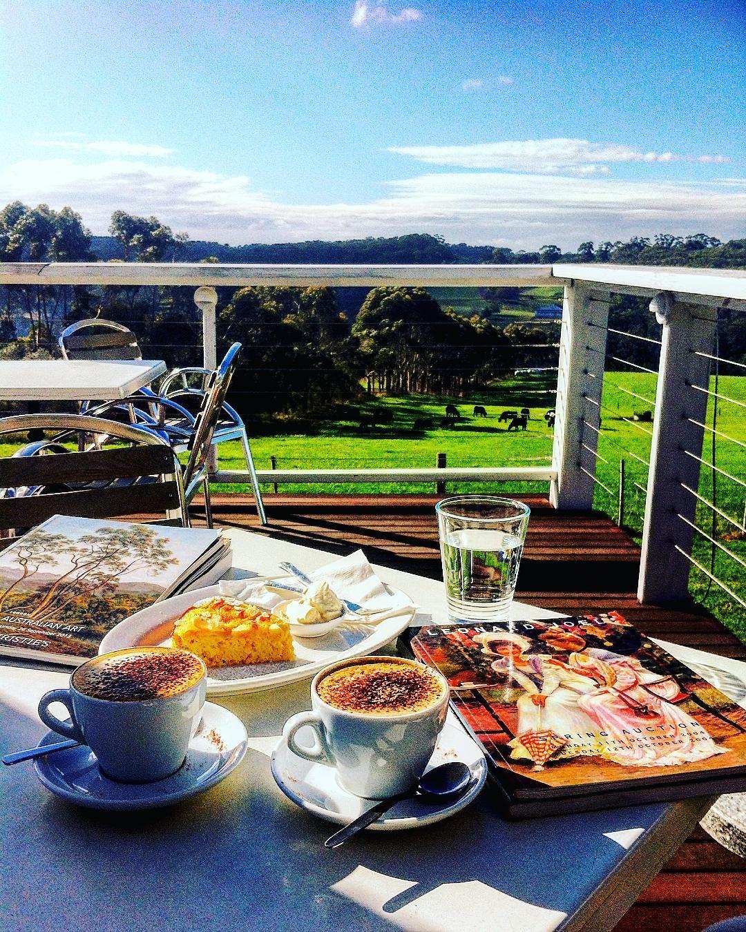 Sunday coffee..#redhill#aussieland#victoria#melbournecoffee#coffeeart#coffeeaddict#cappuccino#latteart#aussieblogger#melbourneblogger#picoftheday#traveler#visitmelbourne#visitvictoria#aussie#joannaofmelbourne by joanna_of_melbourne