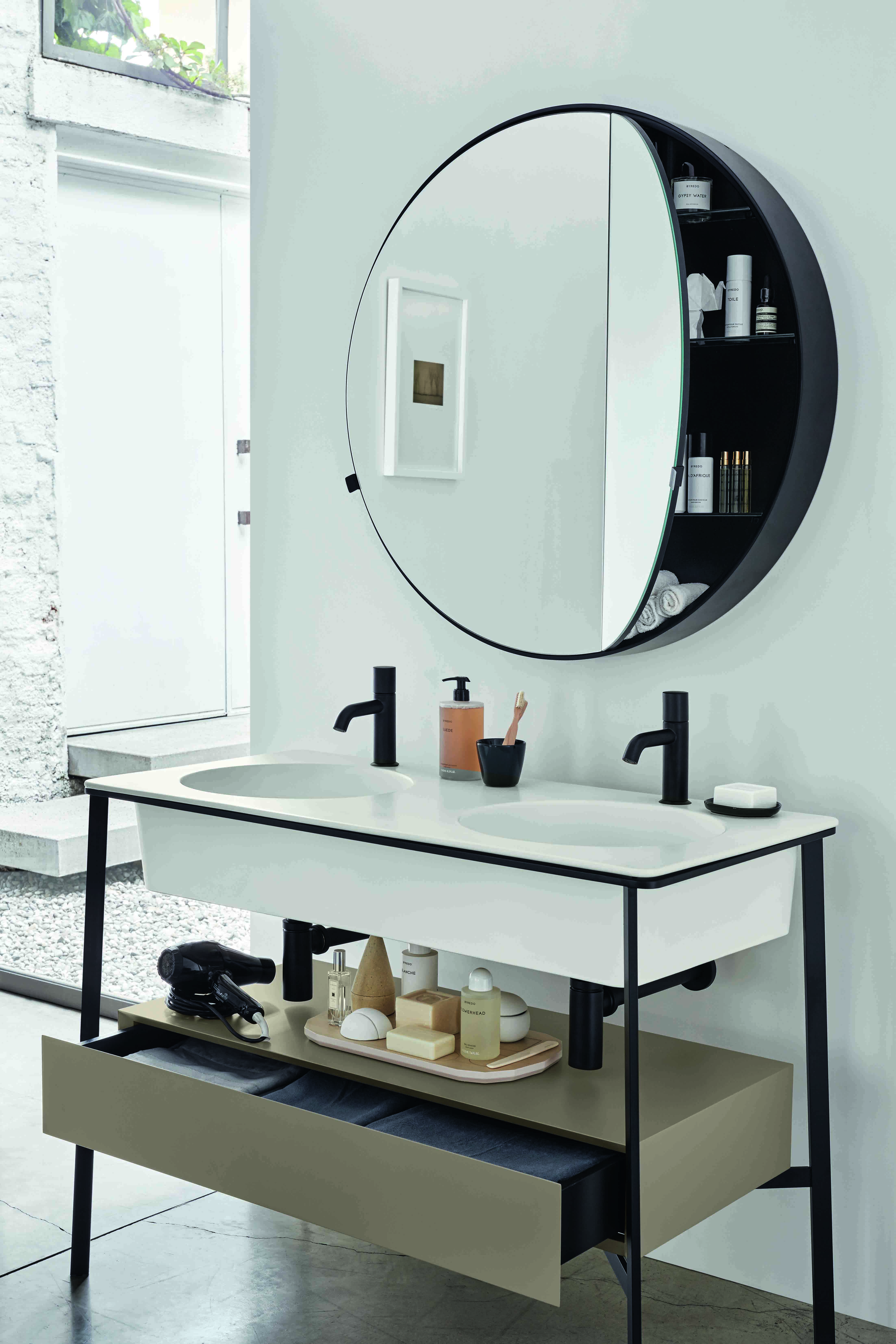 I Catini Is A Designer Collection That Is Completely Customisable Available With Round Ova Bathroom Interior Bathroom Mirror Cabinet Bathroom Interior Design