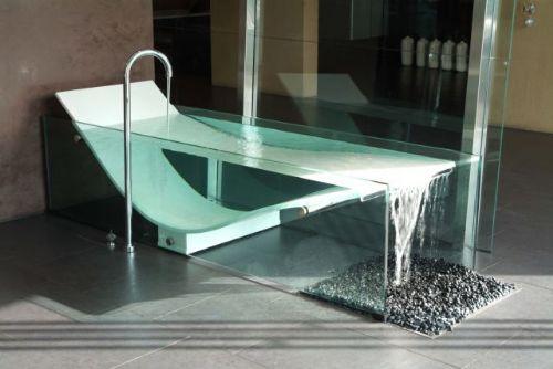 Vasca Da Bagno Vetro : La vasca da bagno con cascata by omvivo gio tecno