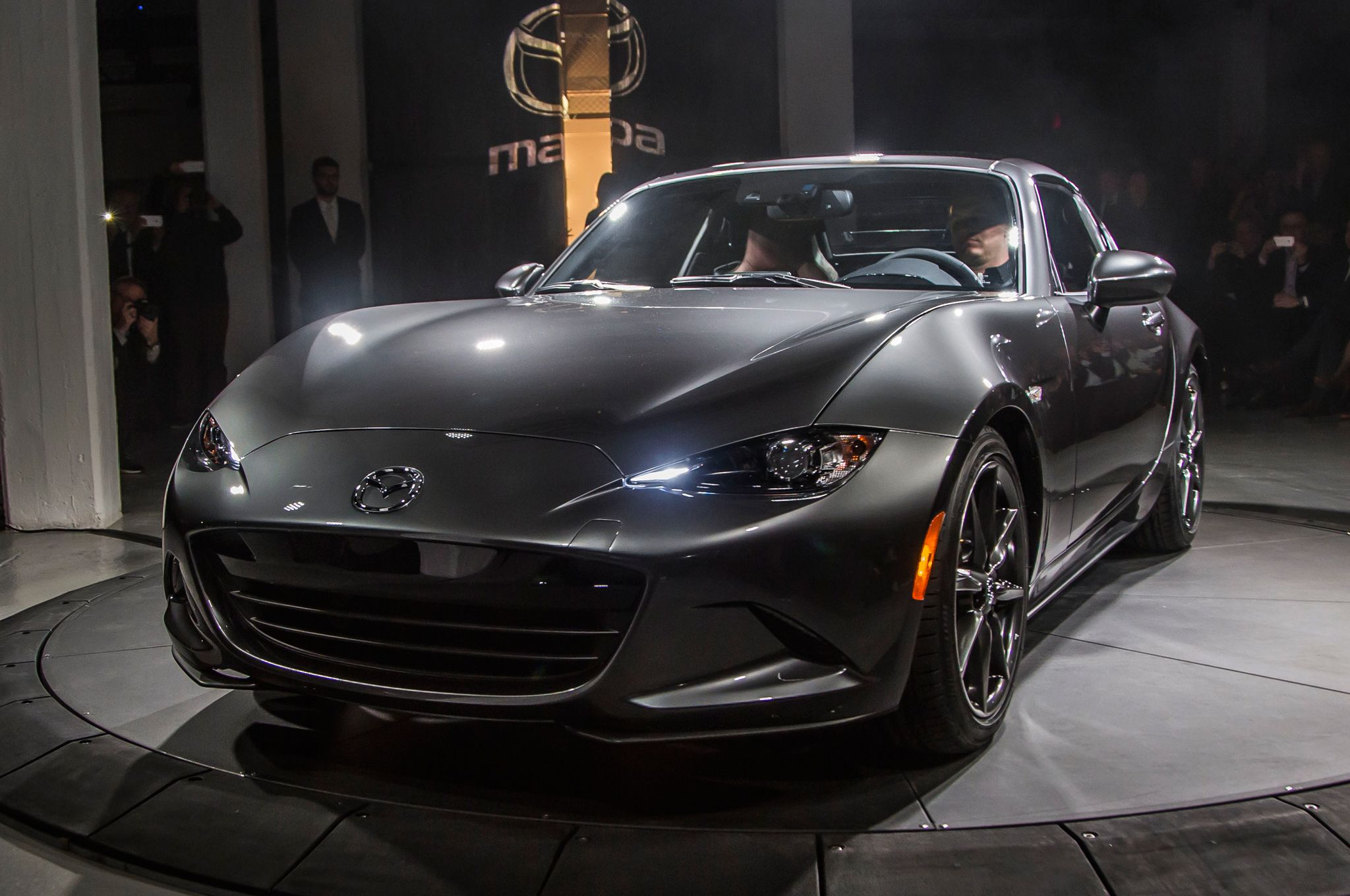 5 coolest things about the 2017 mazda mx 5 miata rf cool cars 5 coolest things about the 2017 mazda mx 5 miata rf fandeluxe Choice Image