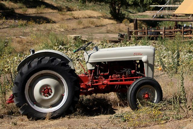 Old Ford Tractor Ford Tractors Tractors Vintage Tractors