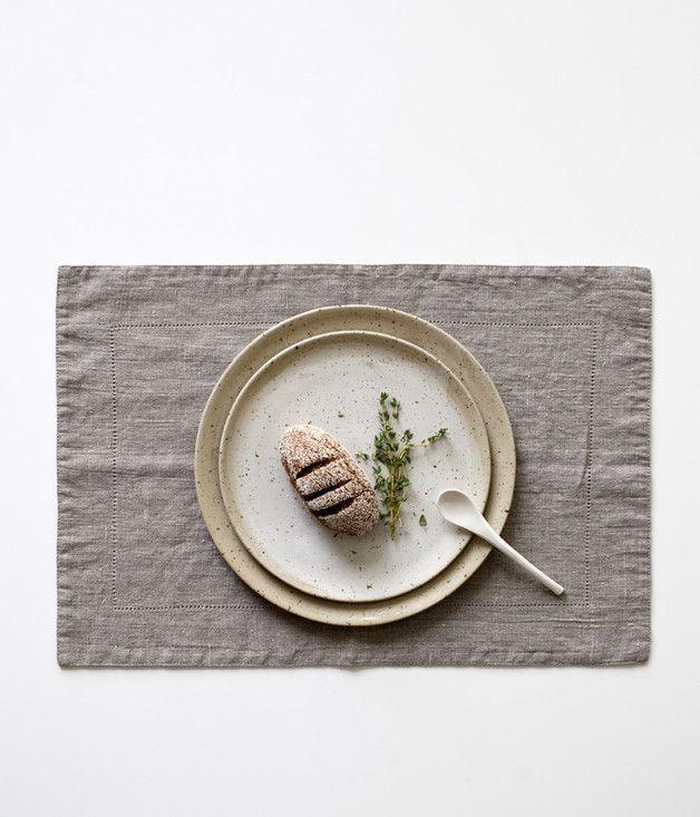 Natural linen placemat with hemstitch. Via en.DaWanda.com.