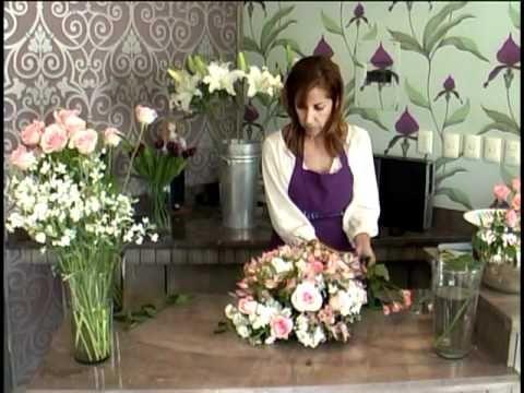 Como hacer un centro de mesa la violetera florer a y for Mesas de centro de diseno