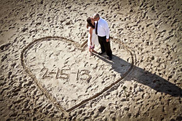 Beach Wedding Ideas On A Budget | Intimate Wedding With A Dinner Reception  Following   Kiss