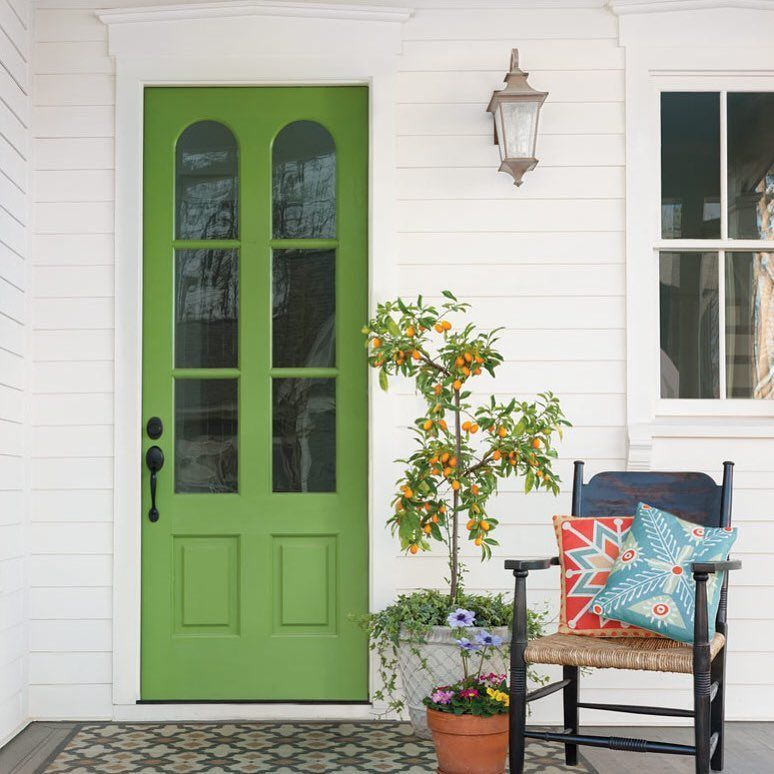 Well Hello There How Welcoming Is This Green Front Door Are You Ready For St Patrick S Day Tomorrow Find All The Spr Green Front Doors Cottage Green Decor