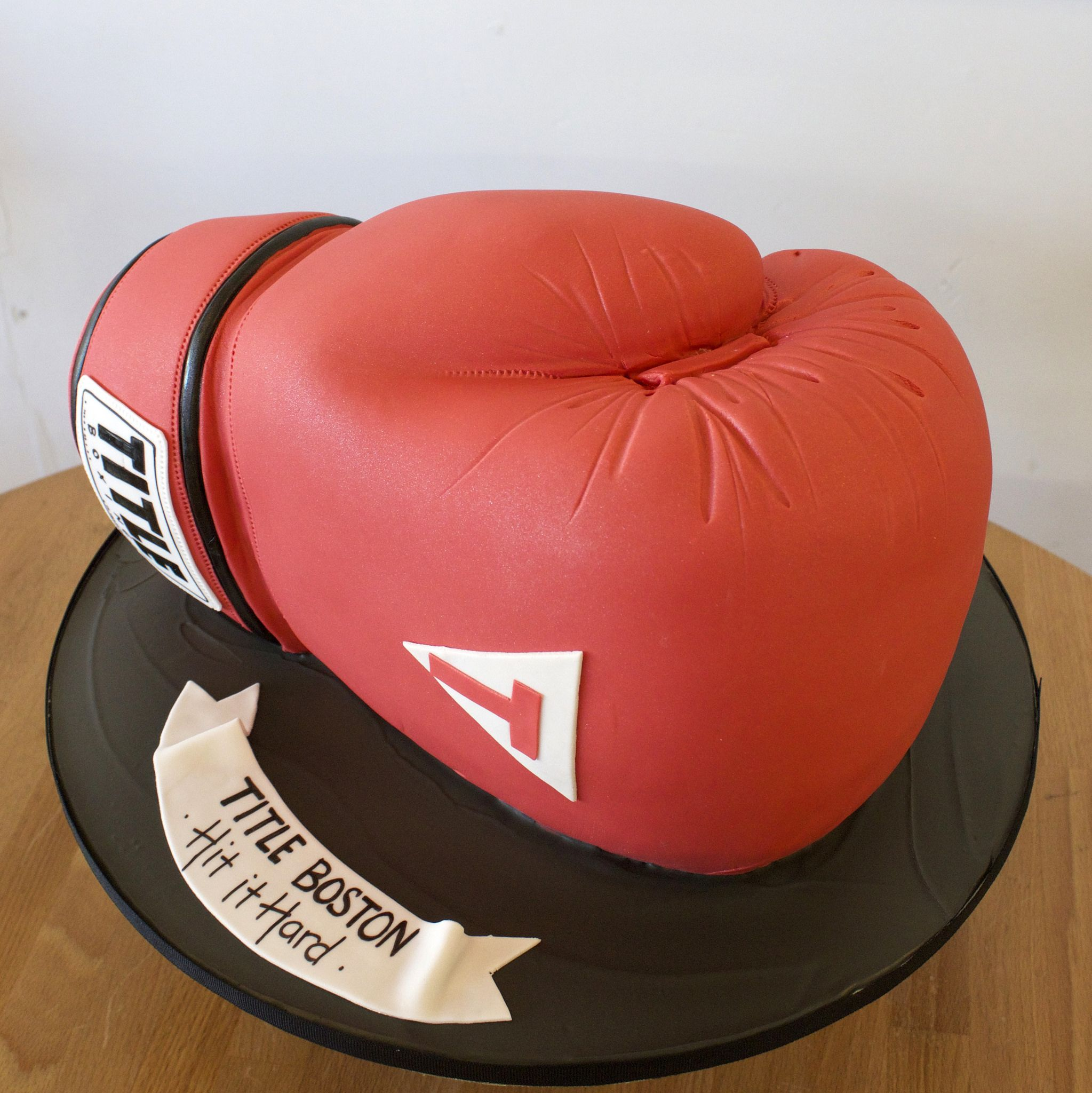торт на тему бокс фото друзей прими, милашка