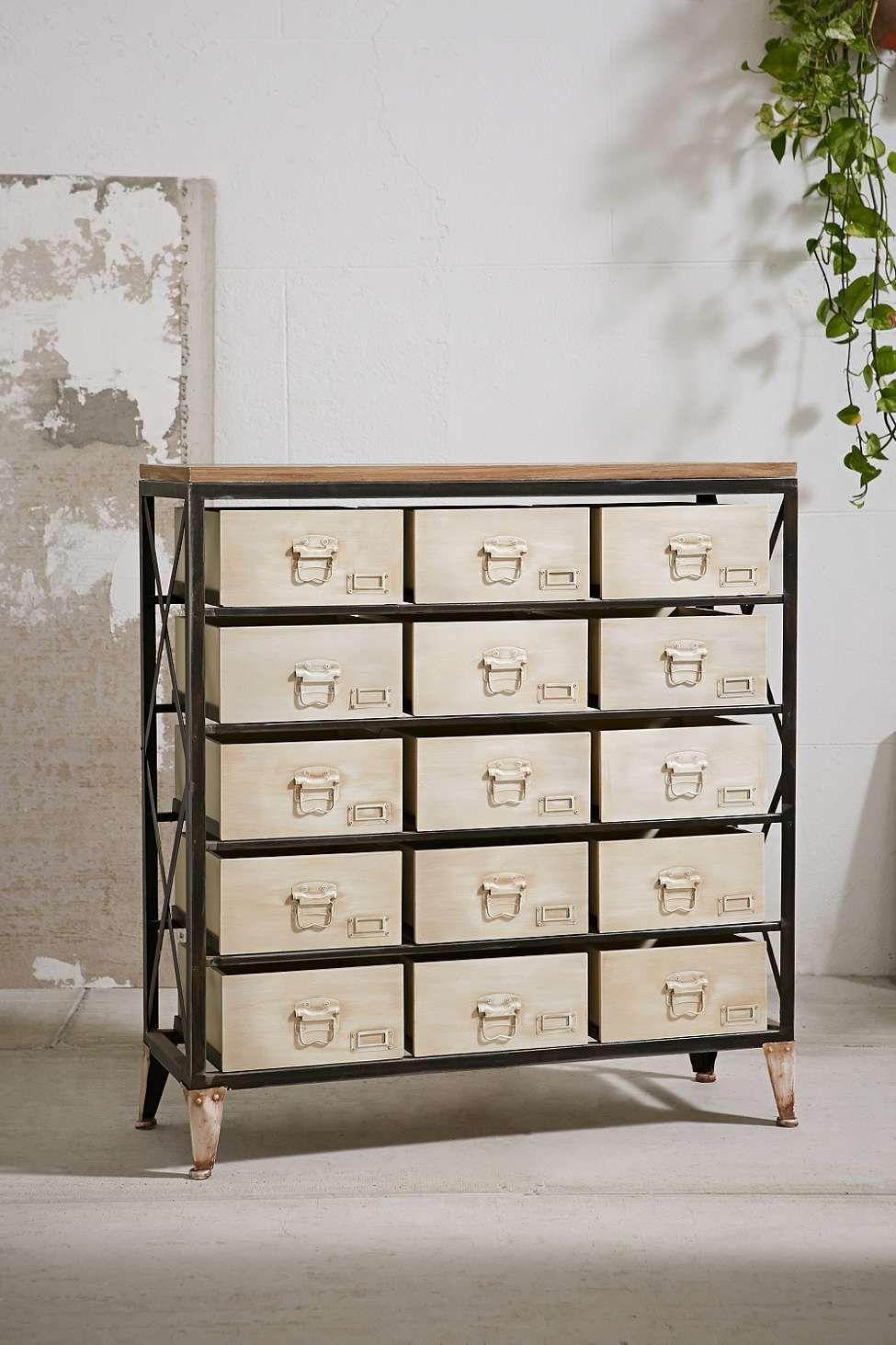 commode industrielle d co pinterest commode industrielle commodes et industriel. Black Bedroom Furniture Sets. Home Design Ideas