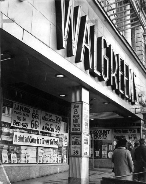 Walgreens in san francisco powell street 1963 the first walgreens in san francisco opened at 981 market street in 1937 the second walgreens opened at