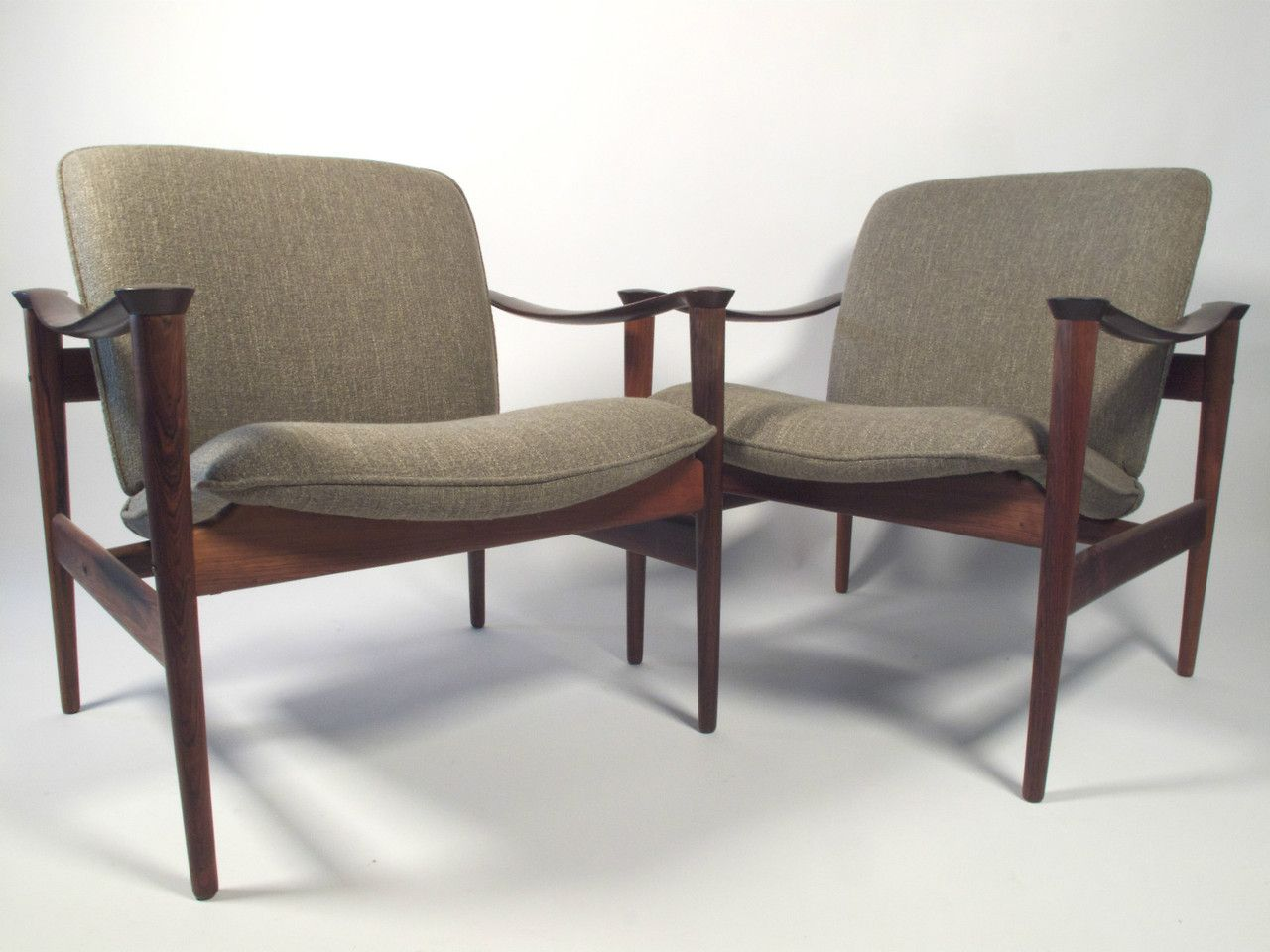 fredrik kayser rosewood model 711 lounge chairs mid. Black Bedroom Furniture Sets. Home Design Ideas