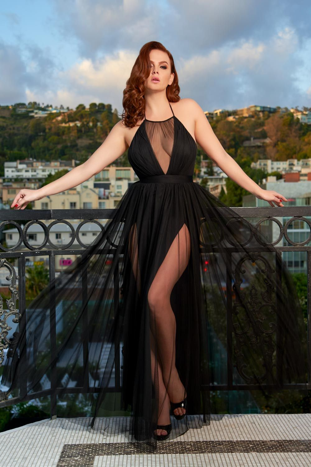 Gothic glamour divinity gown in black with high double slit pinup