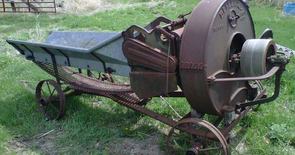 Blizzard Hay Grinder For Http Ift Tt 2guqhtb Old Farm Equipment Old Tractors Farm Machinery
