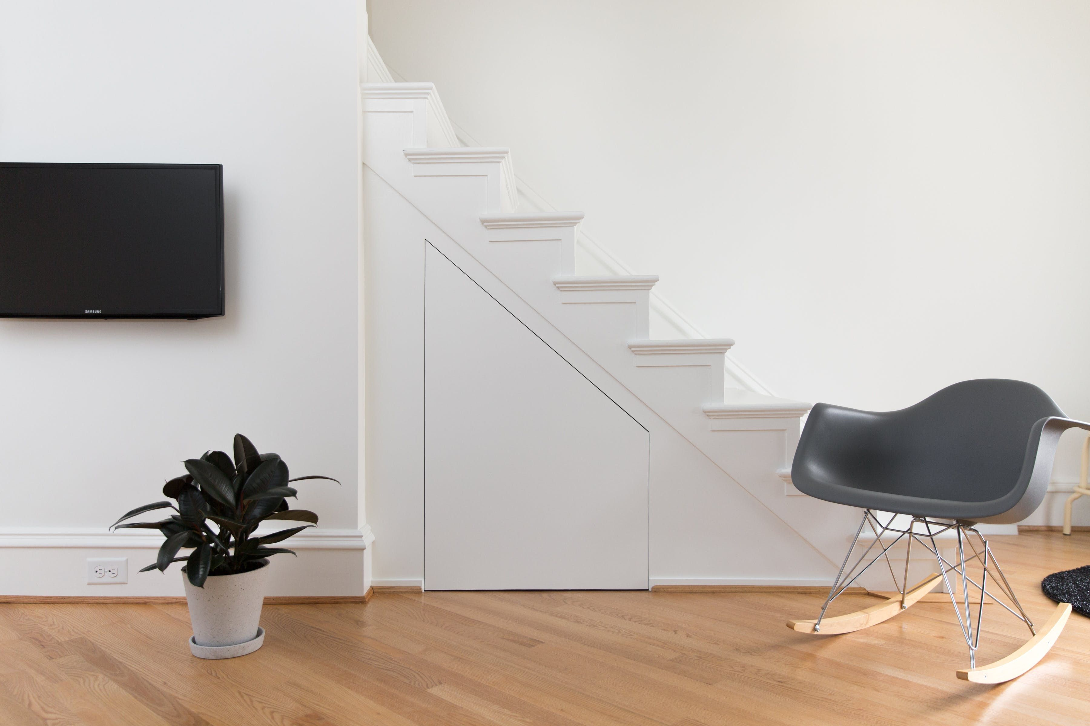 Best A Pro Organizer's Exceptionally Serene Minimal Rowhouse 400 x 300
