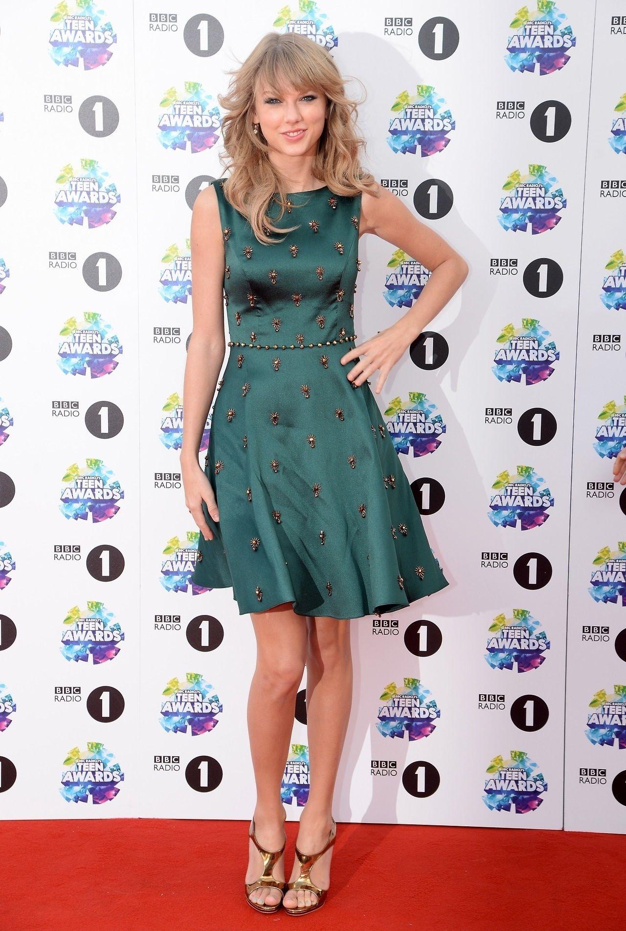 Taylor swift   Taylor alison swift, Taylor swift dress ...
