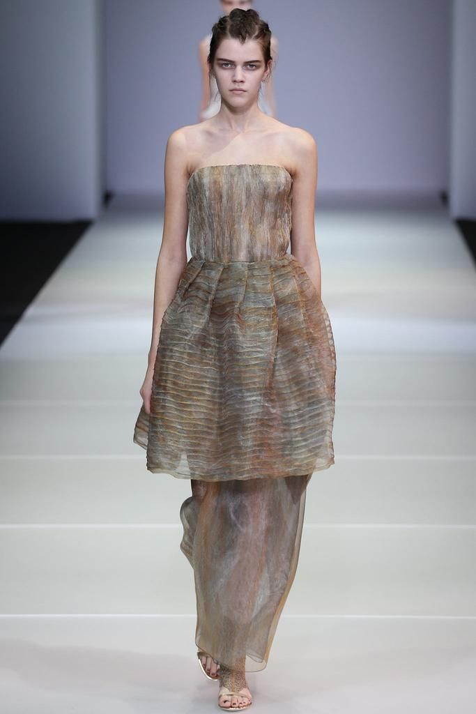 Giorgio Armani Spring 2015 Ready-to-Wear - Details - Gallery - Look 129 - Style.com
