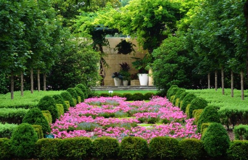 13 Beautiful Botanical Gardens Around the South