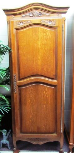 Country French 1 Door Robe