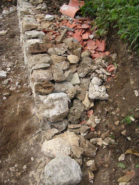 Dry wall drainage technics garden pinterest murs de - Drainage maison en pierre ...