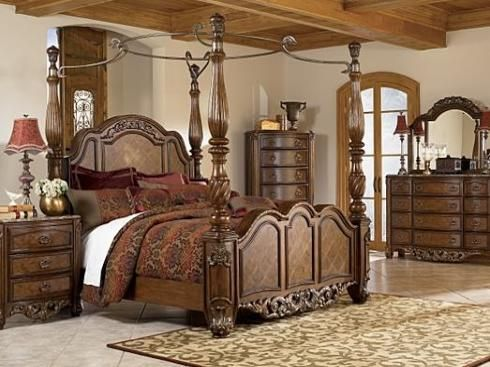 Medevil bedroom furniture bedroom design medieval for Medieval bedroom design