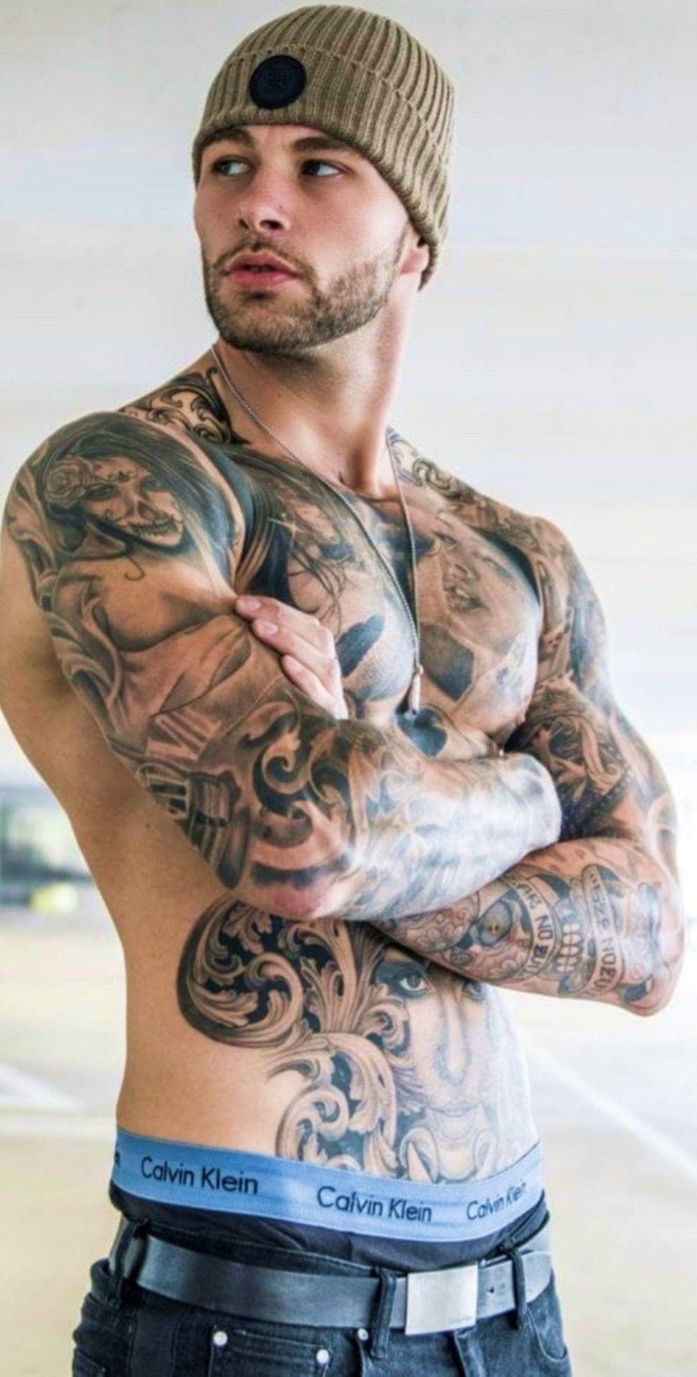 Men tattoo sexy Hot Guys
