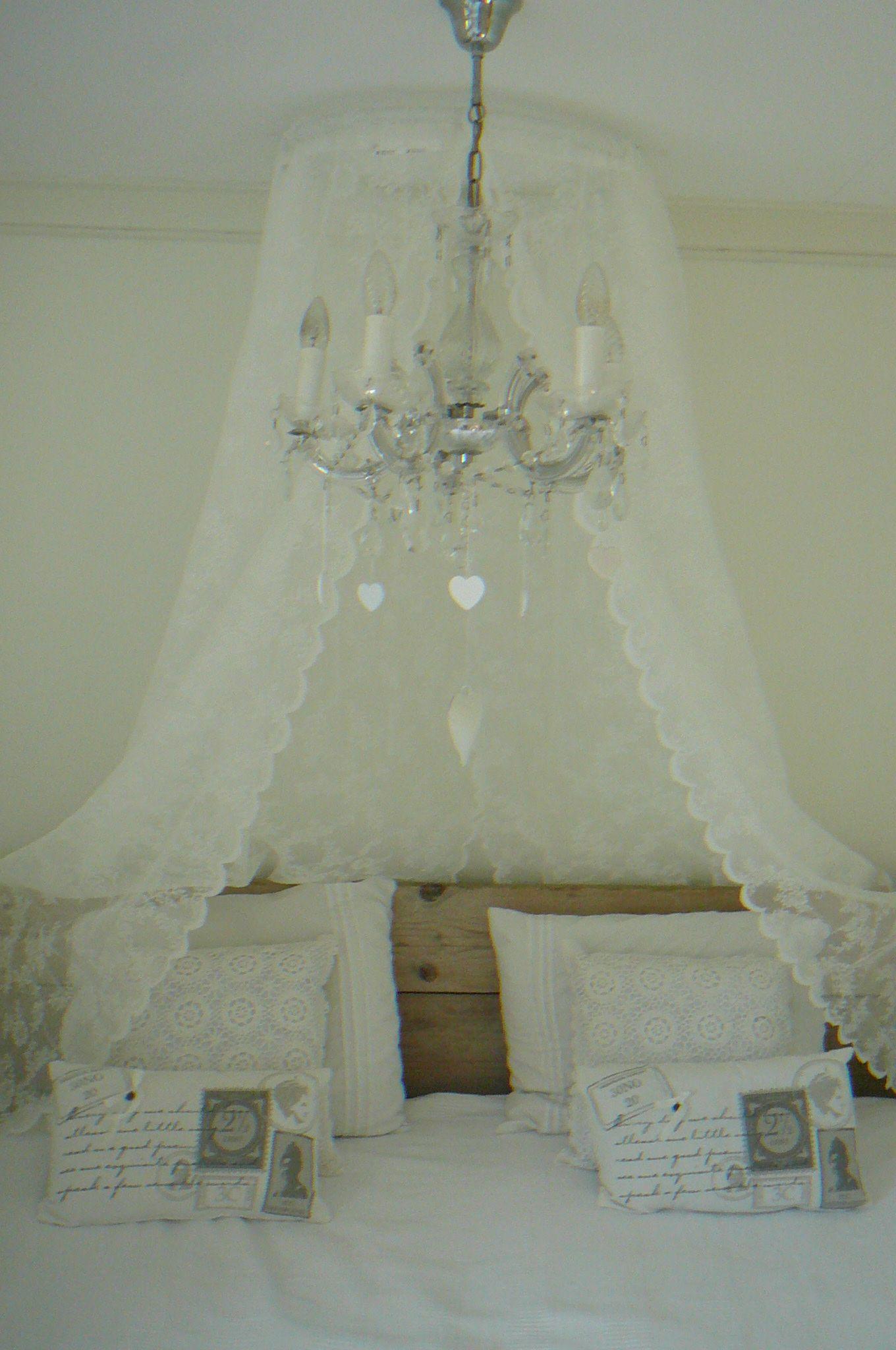 Voor een extra romantische touch op de slaapkamer for Romantische gordijnen