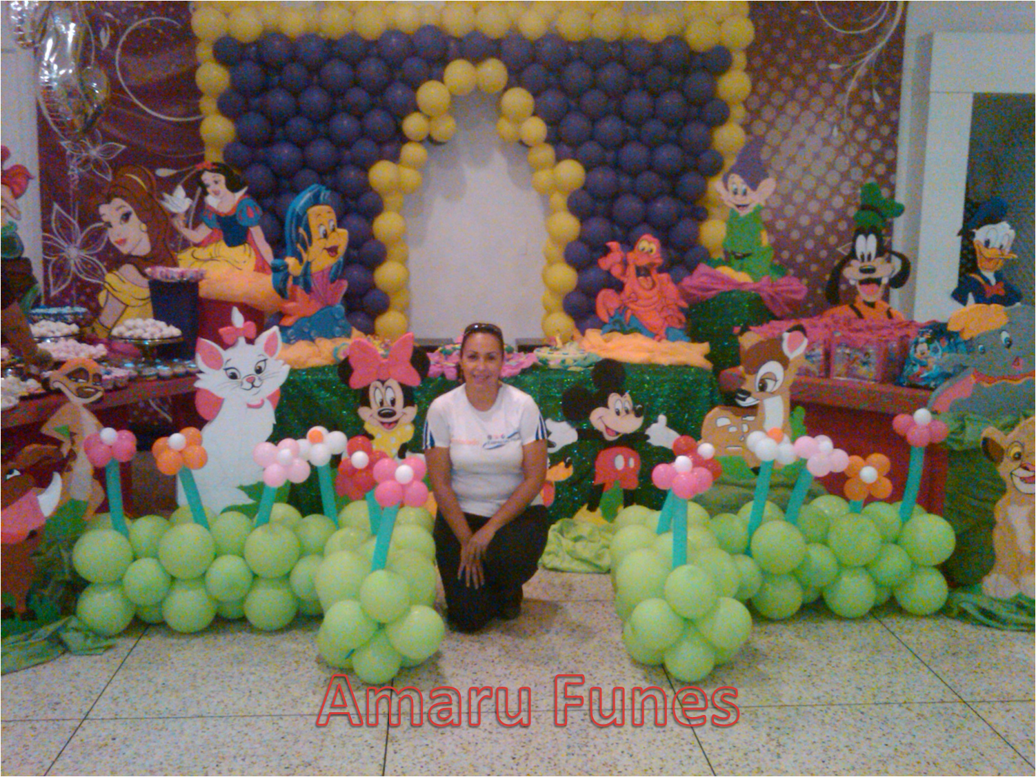 Decoracion personajes disney con globos y figuras en anime for Decoracion con globos