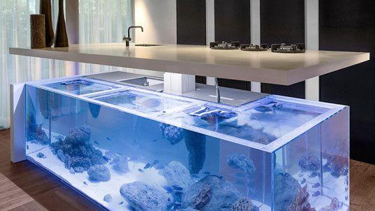 Kreative Und Moderne Küche Mit Weißem Aquarium-Kochinsel | Fische