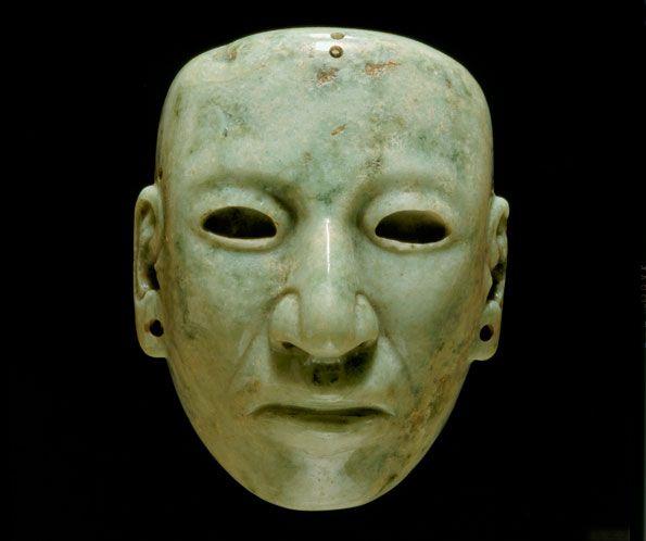 mascara tallada en piedra preciosa ,   teotihuacan