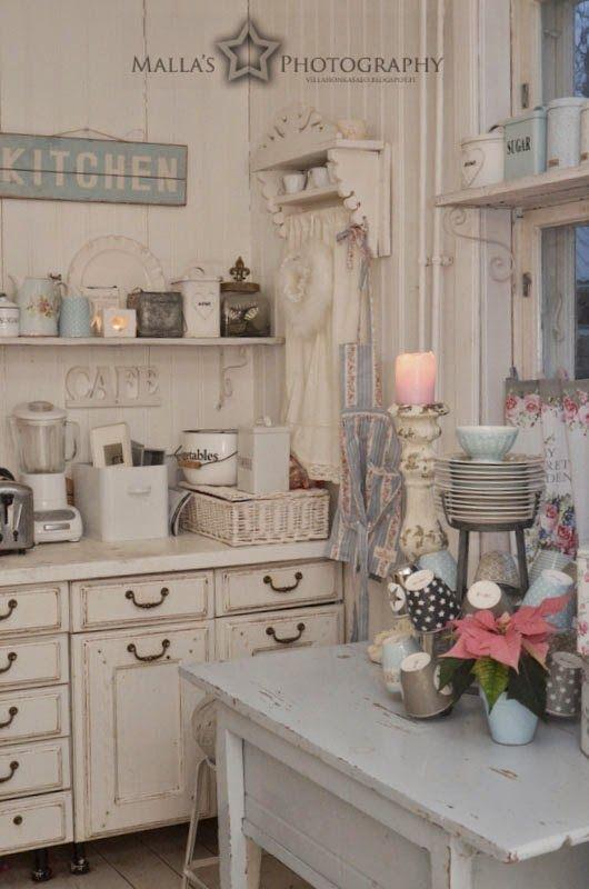 shabby chic cuisine blanc cusine kitchen pinterest cuisine blanche shabby chic et shabby. Black Bedroom Furniture Sets. Home Design Ideas