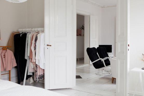 Papel de pared tapiz de cabecero en el dormitorio for Como decorar un departamento chico con poca plata