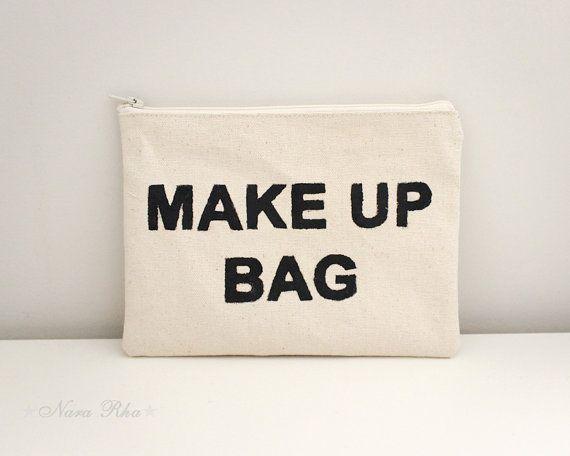 He encontrado este interesante anuncio de Etsy en https://www.etsy.com/es/listing/152672414/cosmetic-case-makeup-bag-accessory-pouch