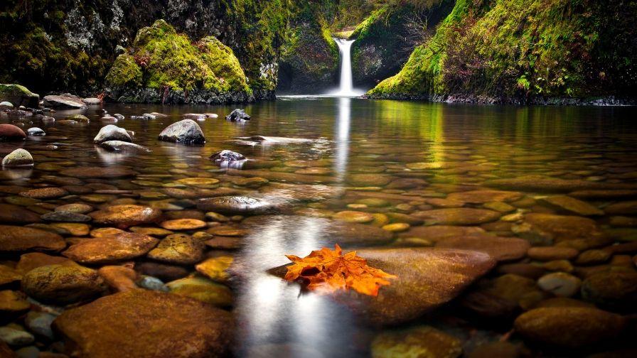 Beautiful Punch Bowl Falls Hd Wallpapers Waterfall Wallpaper Waterfall Autumn Waterfalls