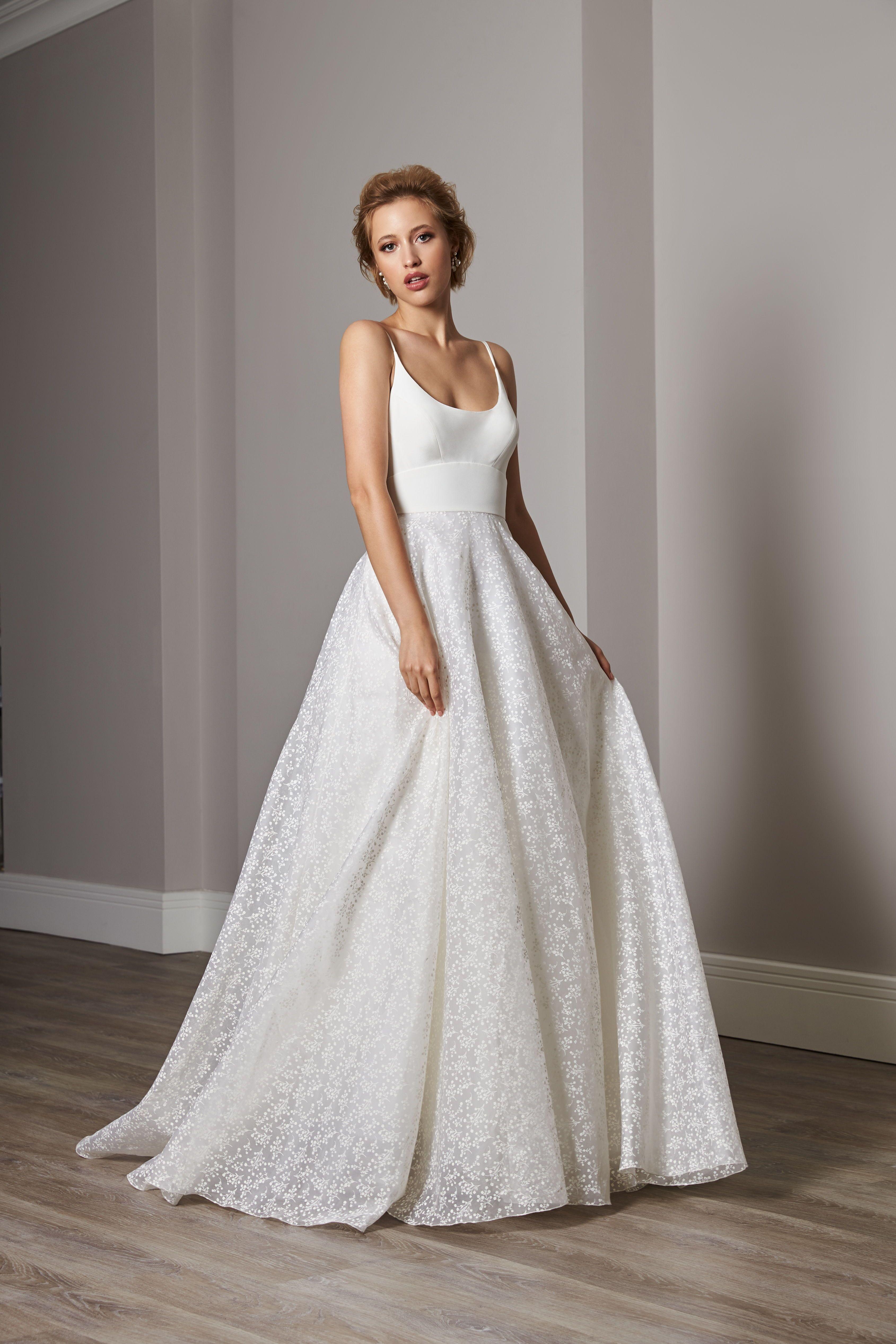 Ottilie Sassi Holford Wedding dress available at Carina