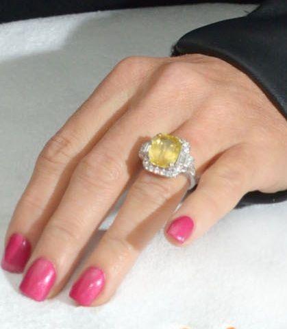 Jenny Mccarthy S Engagement Manicure Amanda Bella