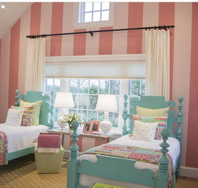 I'm So Into Pink And Turquoise For A Girls Room. Cute