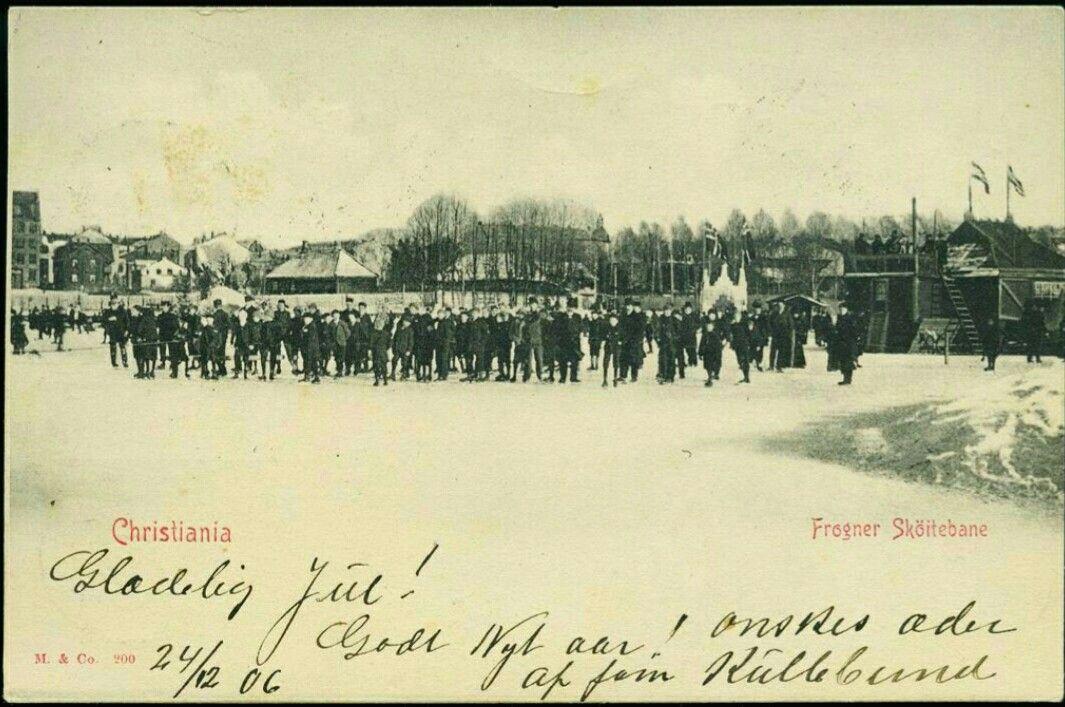 Christiania Kristiania  FROGNER SKÖITEBANE. Fint motiv med store mengder folk på isen Utg Mittet & CO Brukt 1906