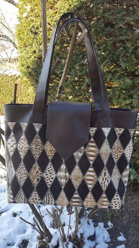 Sac grand Madison cousu par Les idées fils en simili motif arlequin - patron couture http://sacotin.com/boutique/patron-sac-madison/