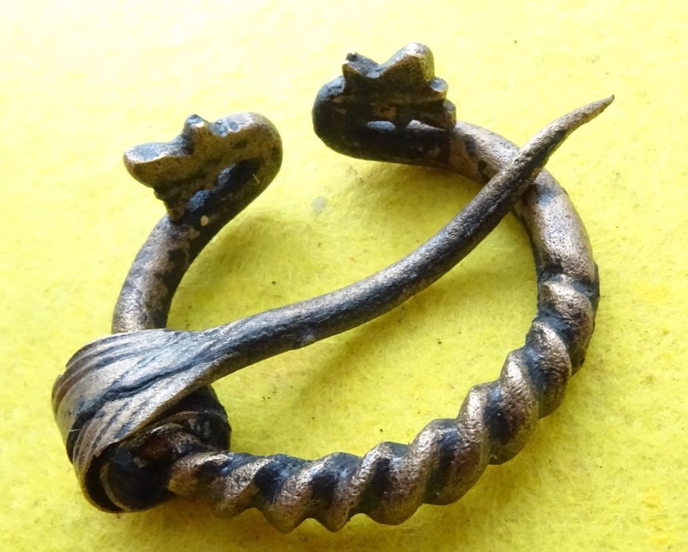 Antiquities Viking Decorative Pen-annular Bronze Fibula Viking