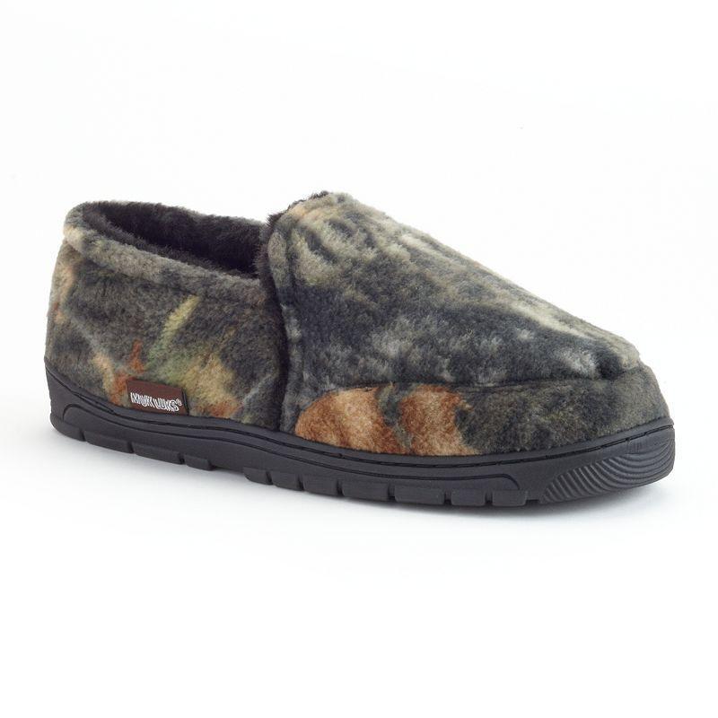 c83c10f26ef4 MUK LUKS Men s Camouflage Fleece Slippers