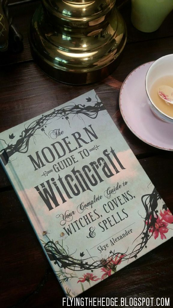 006 Book Review The Modern Guide to Witchcraft by Skye