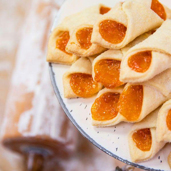 Apricot Kolachi Cookies Aka Kolacky Kolaczki Kiffles Food Recipes Buttercream Filling