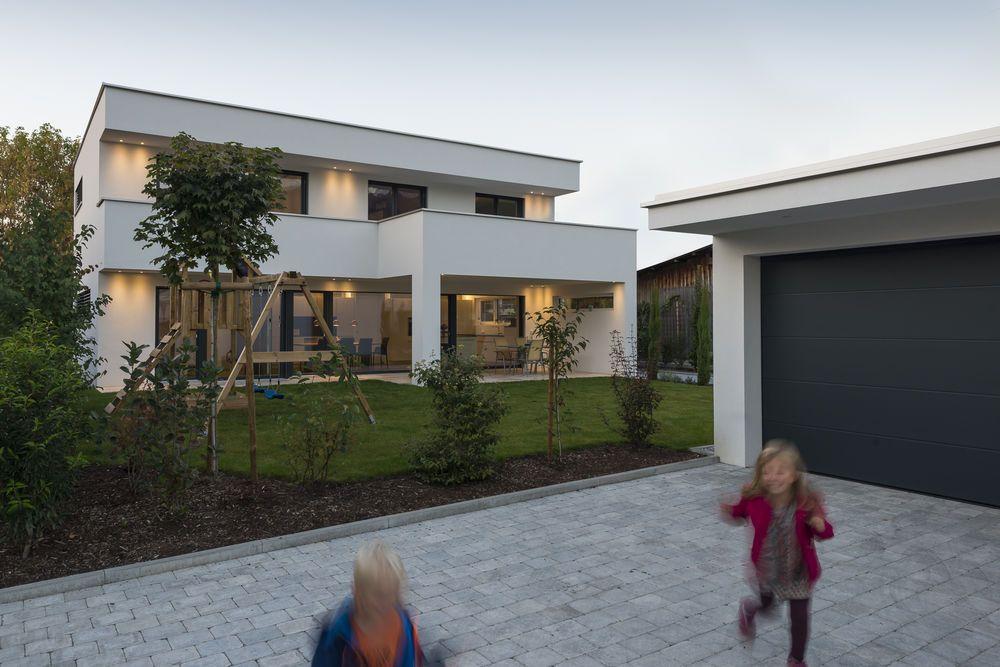 Einfamilienhaus #Flachdach #Überdachte Terrasse #Massivbau # modern ...