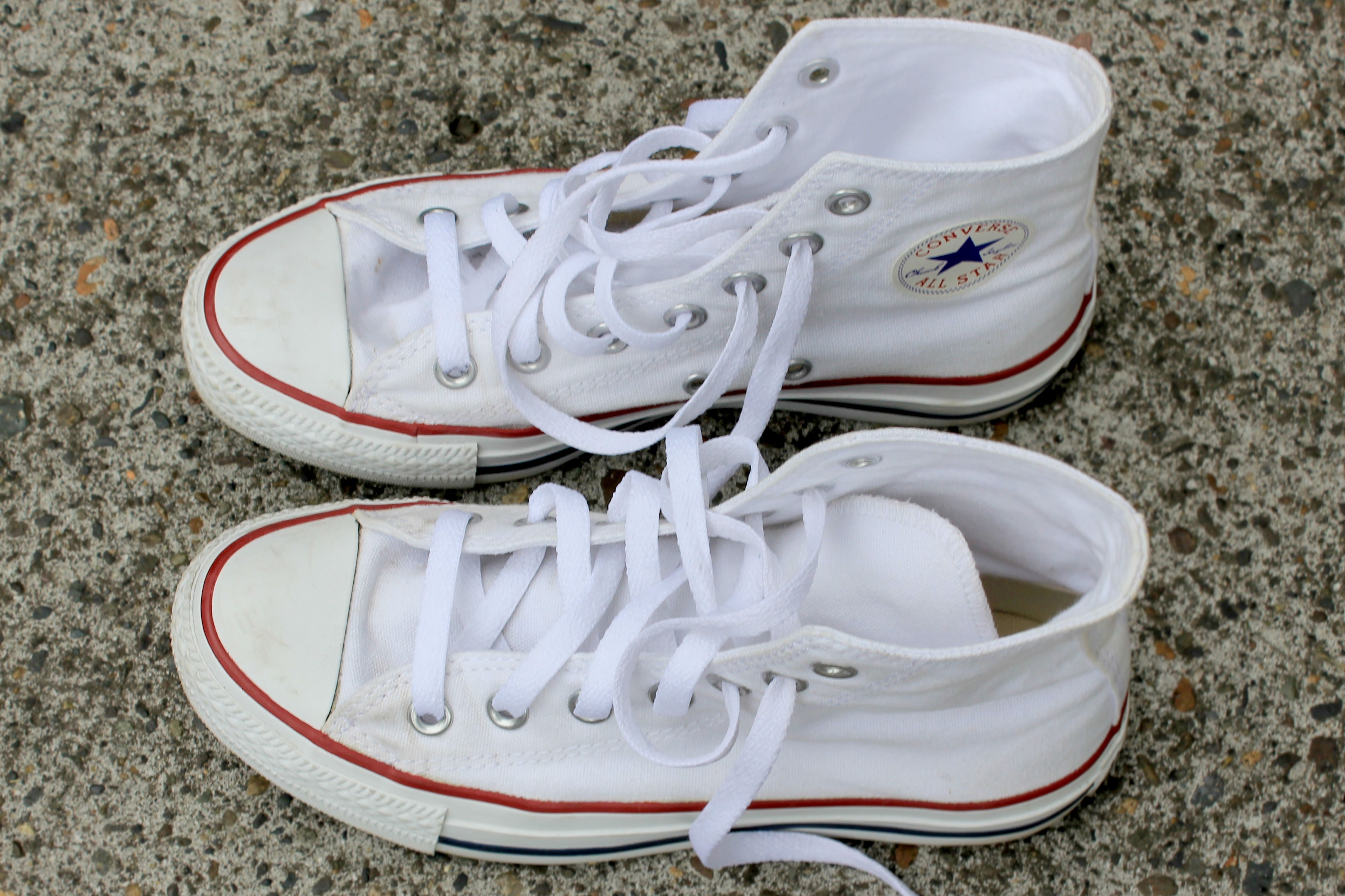 How To Clean White Converse Ehow How To Clean White Converse How To Wash Sneakers White Converse Shoes