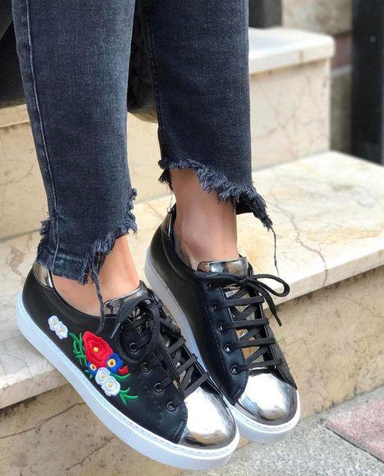 Flow Siyah Renk Nakış Gold Burun Günlük Ayakkabı WhatsApp Bilgi & Sipariş :  0 (541