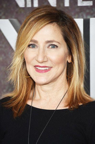 Edie Falcos Highlighted Cut Hairstyle Ideas Pinterest Medium