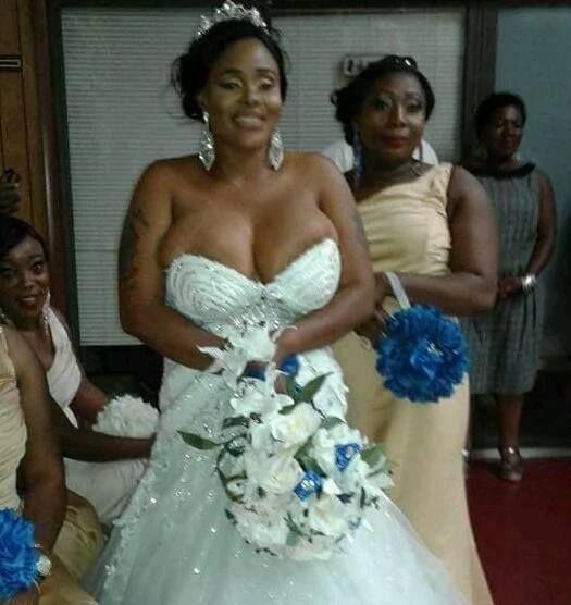 Sexy bride nude wedding pics