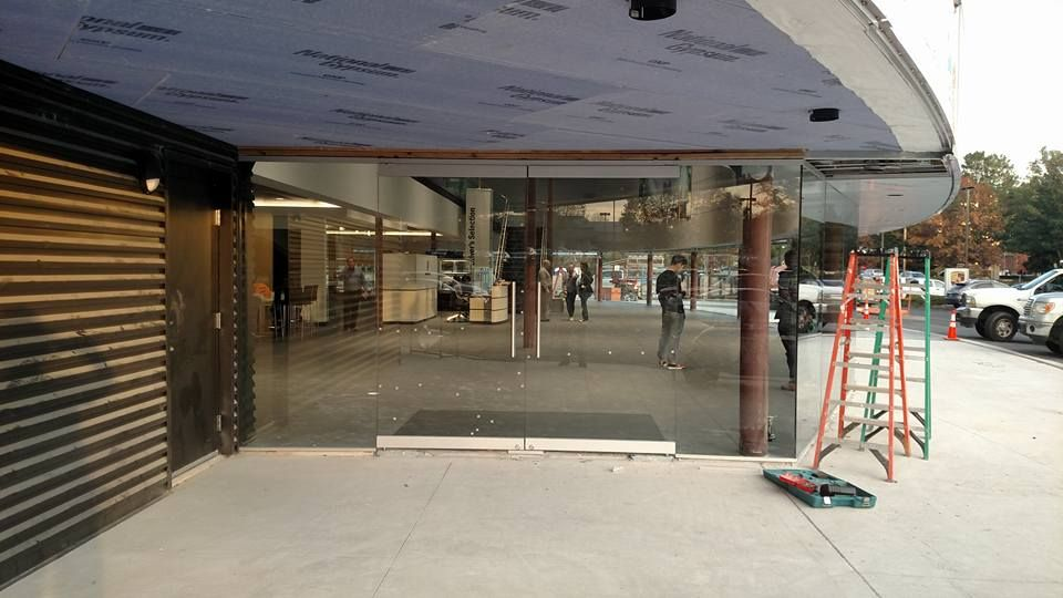 Storefronts A Modern Glass Storefront Glass Store Fronts Glass Door Repair