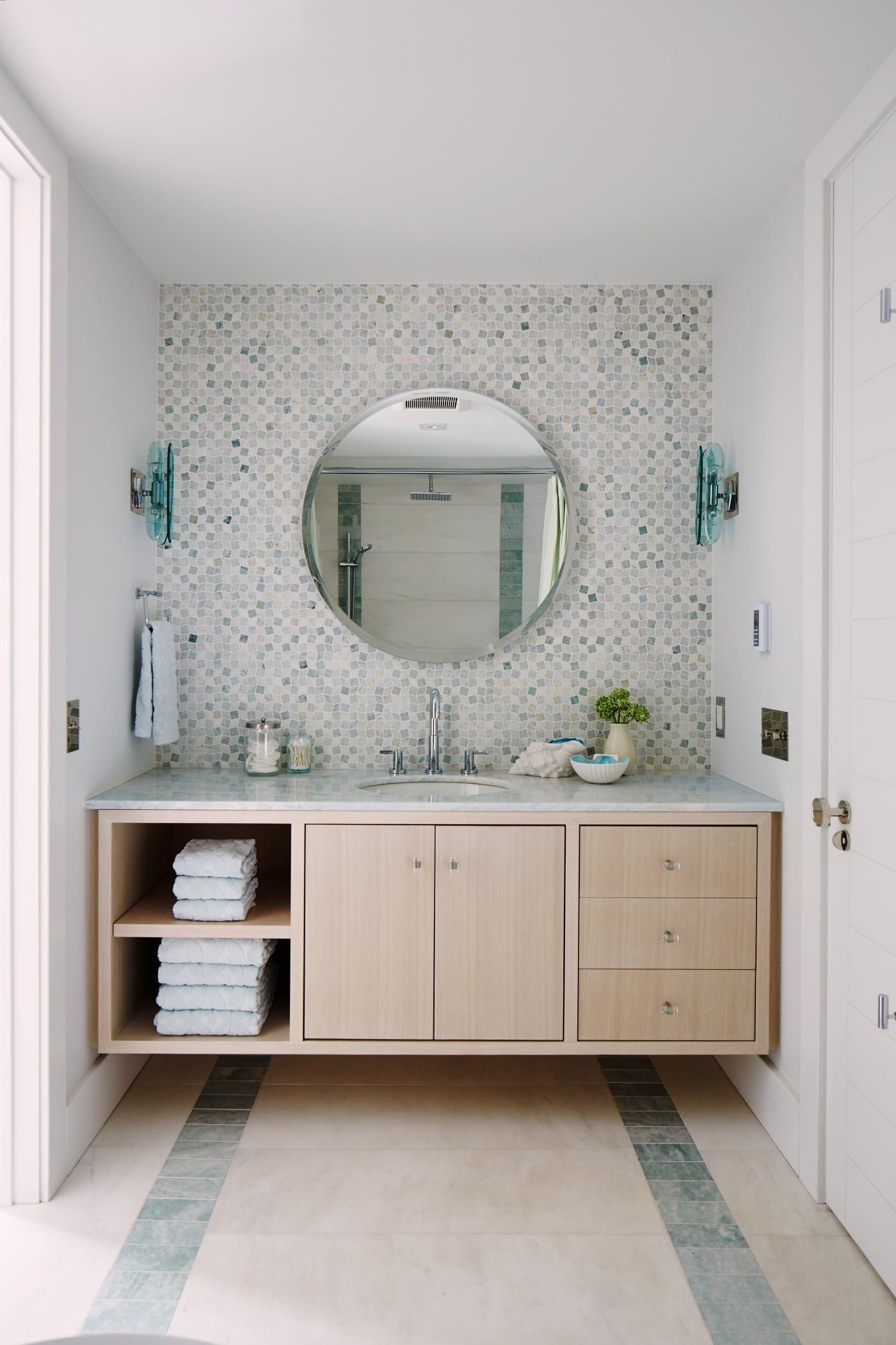 Tile Behind No Side Splash City Modern Fiona S Bathroom Vanity With Mirror Floating