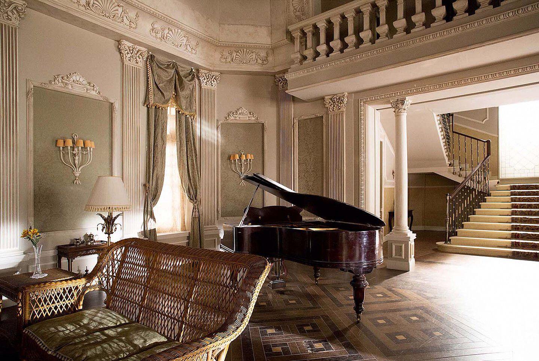 Decorados de la serie GRAN HOTEL de ANTENA 3 www.italicadecoraciones.com |  English country house, Gran hotel, Hotel