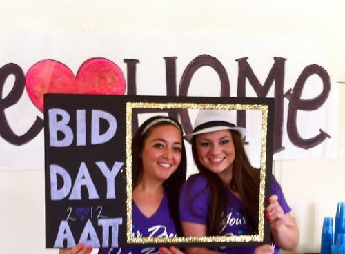 Love this idea for Bid Day! Would make adorable pictures. this would be so adorable in green and white!